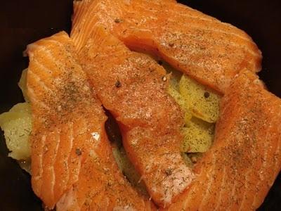 Рыба с картошкой в мультиварке скороварке