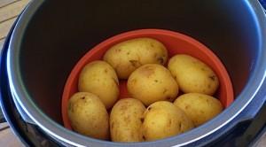 как приготовить печеный картофель в мультиварке