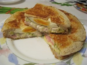 """""""Горячий сэндвич"""" в мультиварке"""