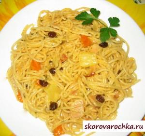 Спагетти с ветчиной и ананасами в мультиварке скороварке