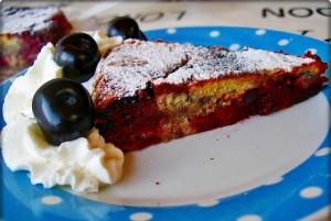 Вишневый пирог в мультиварке скороварке
