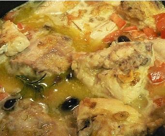 Рецепт курицы с лимоном, чесноком и маслинами