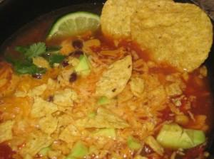 Томатный суп с кукурузой и фасолью