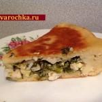 Пирог со щавелем, зеленым луком и яйцами