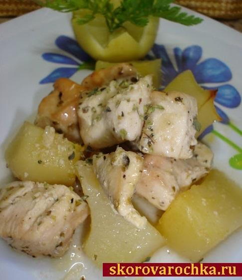 Запеченная куриная грудка с картофелем и лимоном