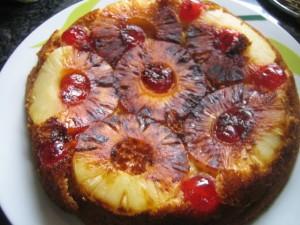 Рецепт пирога с консервированными ананасами